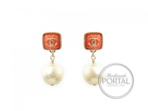 Chanel Earrings - CC Classic with Orange in Gold Frame with Drop Pearl