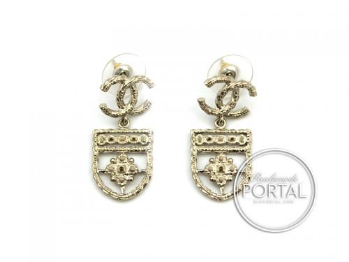 Chanel Earrings - CC Classic in Gold Coat of Arms Shield with CC