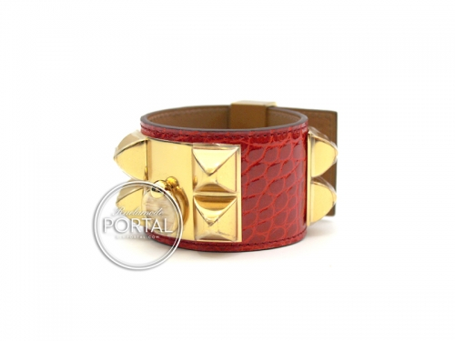 Hermes Collier De Chien - Geranium in Alligator with Gold Hardware S (Small Scales - Shiny)