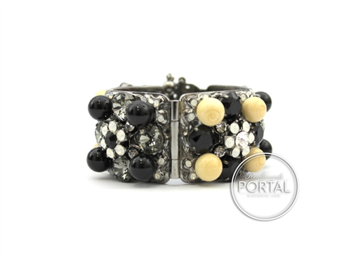 Chanel Vintage - Bracelet - Rhodium bracelet with Pearls and Crystals